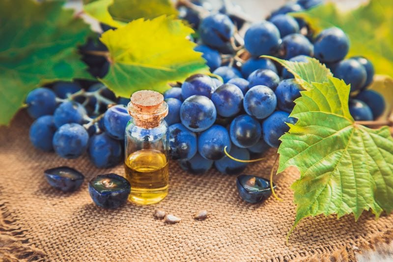Grape Seed Extract Benefits [One of the Best Antioxidants, Ever]